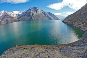 the-beautiful-Embalse-el-Yeso-